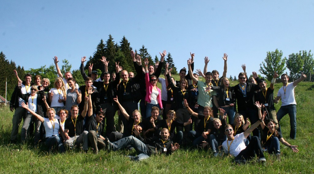 Gruppenfoto beim Opel Project Earth Bootcamp