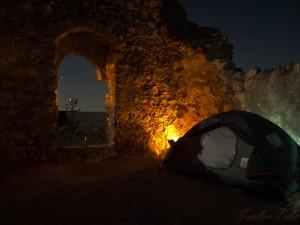 Zelten in der Burg